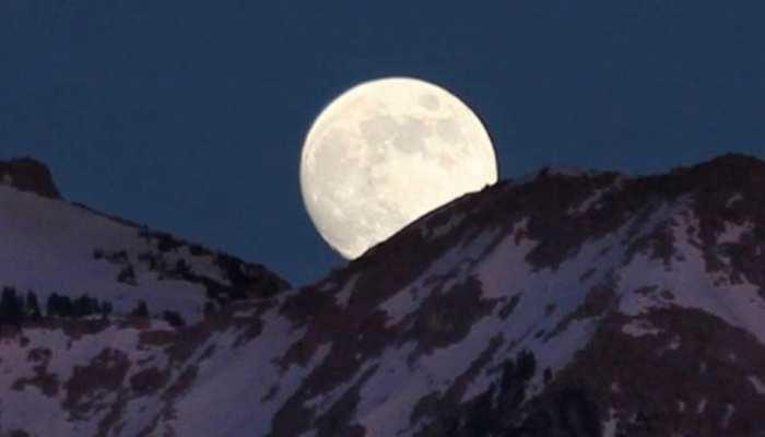 NASA ने शेयर की Wolf Moon की तस्वीर, जानें क्यों है यह खास?