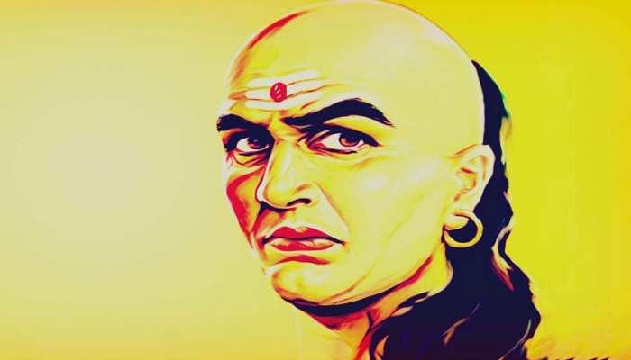 Chanakya Niti: इस तरह से धरती पर रहकर ही उठाया जा सकता है Swarg का आनंद
