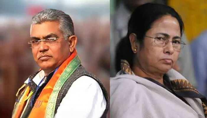 स्वास्थ्य योजना का कार्ड लेने कतार में खड़ी हुईं Mamata Banerjee, तो BJP ने कहा- 'शुद्ध ड्रामा'