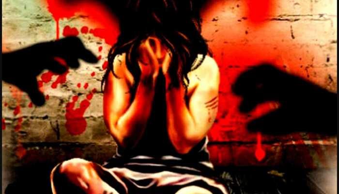 Badaun Rape Case: दर्द से चीखती रही महिला, दरिंदों ने गैंगरेप के बाद गुप्तांग में डाली रॉड
