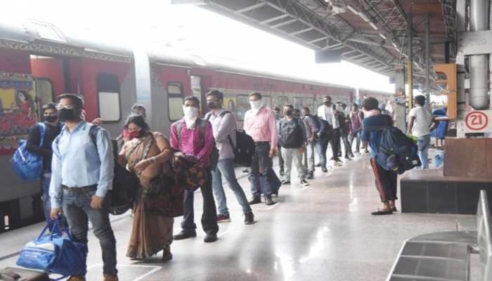 Indian Railways: क्या बढ़ने जा रहा है यात्री ट्रेनों का किराया? रेलवे ने खुद दी सफाई