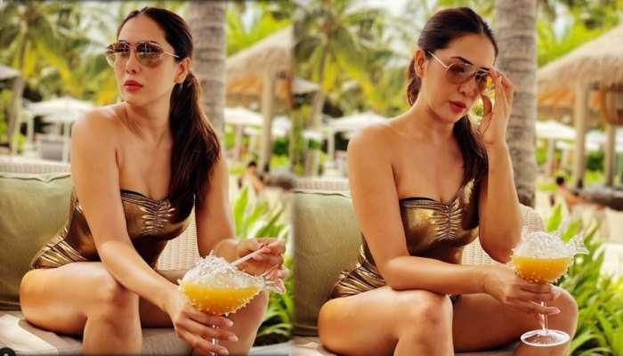 Kim Sharma in hot avtar pics goes to viral on internet