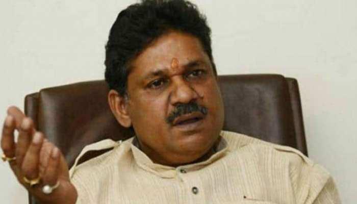 कांग्रेस नेता कीर्ति आजाद का दावा, JDU के 15 विधायक UPA के संपर्क में, टूटेगी पार्टी