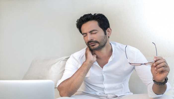 Body Pain Remedies: अब शरीर दर्द और थकान को कहें Goodbye, इन घरेलू नुस्खों से सब होगा ठीक
