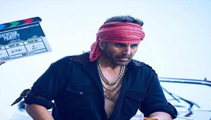 Bollywood Actor Akshay Kumar Gangster Look reveals fron the Film Bachchan  Pandey | Bachchan Pandey First Look: गैंगस्टर बन सोशल मीडिया पर छाए Akshay  Kumar | Hindi News, बॉलीवुड