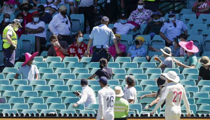 IND vs AUS Sydney Test: Mohammed Siraj और Jasprit Bumrah पर हुई नस्लीय टिप्पणी को लेकर Cricket Australia ने मांगी माफी