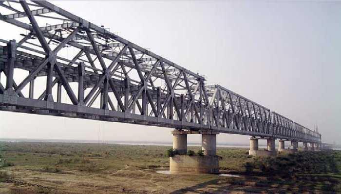 मुंगेर में गंगा नदी पर 228 करोड़ की लागत से बन रहा 14.51KM दो लेन पुल मई तक होगा बनकर तैयार