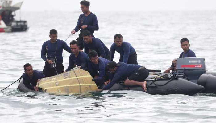 Indonesia: क्रैश हुए विमान के Black Box का पता चला, मानव अंग भी मिले