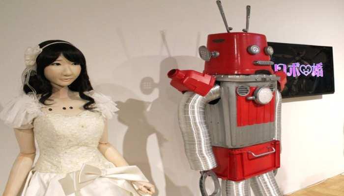 Japan में Robot करवा रहे हैं शादियां, लोगों को मिल रहे हैं मनपसंद Partner