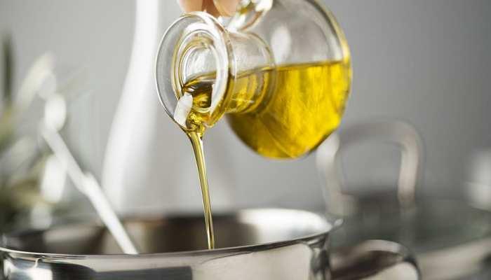 Healthy Cooking Oils: खाना पकाने के लिए किस तेल का करें इस्तेमाल? सेहत के हिसाब से जानिए यहां