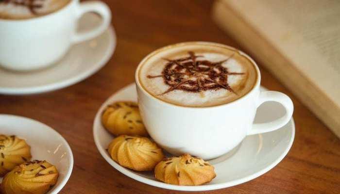 आपको पसंद है सिर्फ अपने हाथ की चाय? तो इंदौर के इस कैफे में आप खुद बना सकते हैं