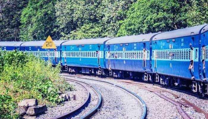 Budget 2021: रेल यात्रियों को रुलाएगा या राहत देने वाला होगा रेल बजट, जानें क्या हैं उम्मीदें