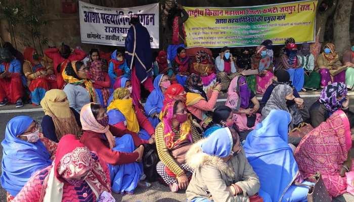 Hindaun City: आशा सहयोगिनी कार्मिकों ने निकली रैली, SDM को सौंपा ज्ञापन