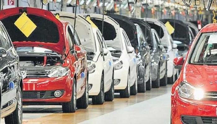 20 हजार रुपये की सैलरी है तो भी खरीद सकते हैं ये कारें, नहीं पड़ेगा जेब पर EMI का बोझ