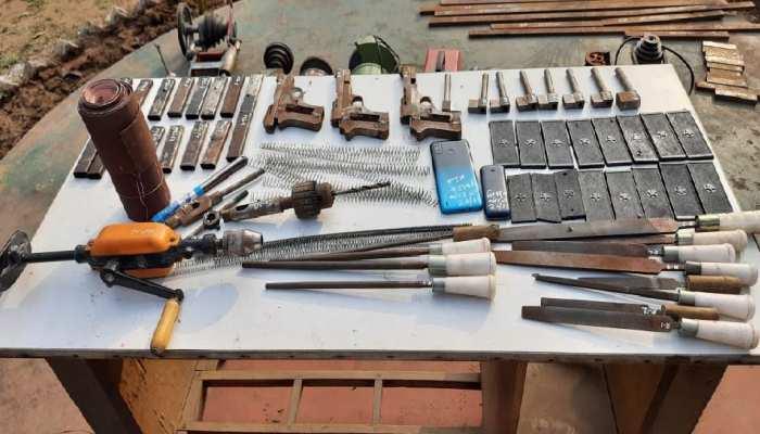 मुंगेर में पुलिस के हत्थे चढ़ा मशीन का मास्टरमाइंड, केस से जुड़े 5 बदमाश गिरफ्तार