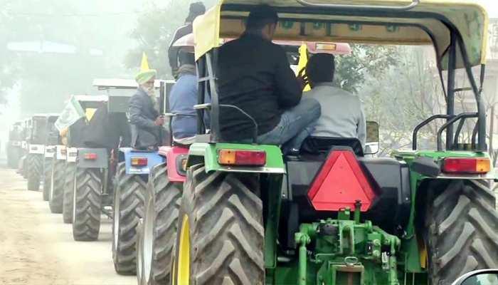 Farmers Protest: Republic Day 2021 पर दिल्ली में ट्रैक्टर मार्च निकालने पर अड़े किसान, सुप्रीम कोर्ट के पाले में गेंद
