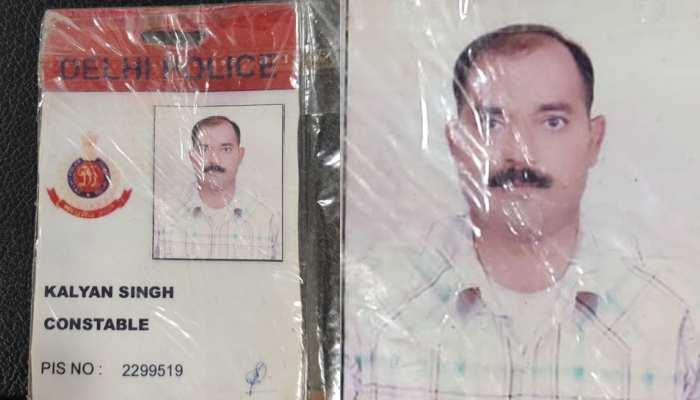 कॉन्स्टेबल का फर्जी कार्ड बनाकर Delhi Police को दिखा रहा था हेकड़ी, गिरफ्तार