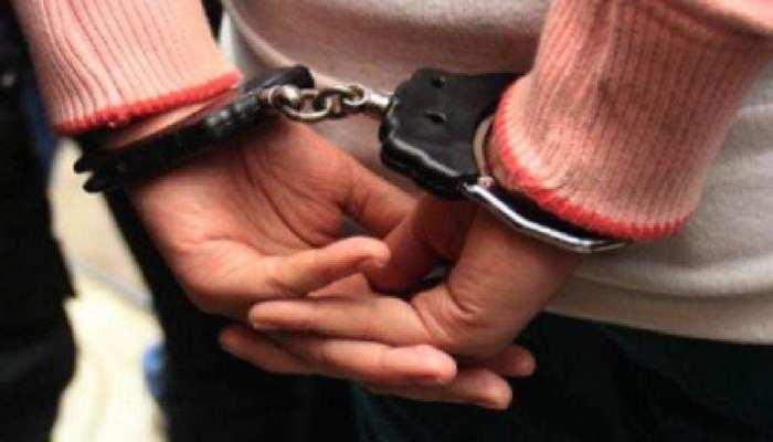 झारखंड: अतंरराष्ट्रीय तस्करी का हुआ खुलासा, चलती ट्रेन में 63 मोबाइल के साथ तस्कर गिरफ्तार