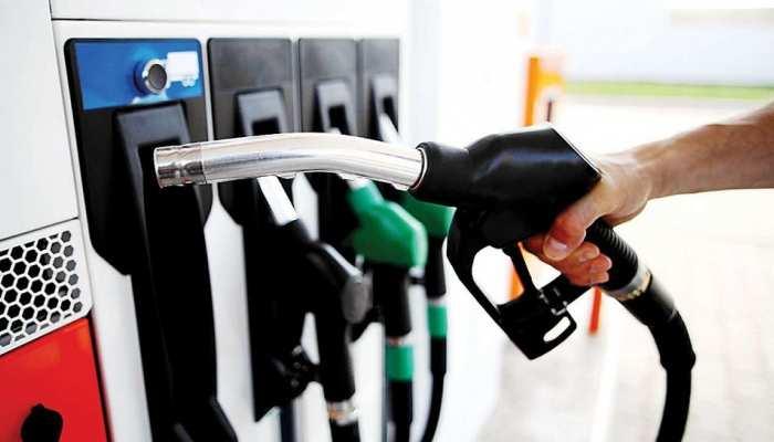 जेब में आग लगा रहे पेट्रोल-डीजल के दाम, रिकॉर्ड स्तर पर पहुंचीं कीमतें