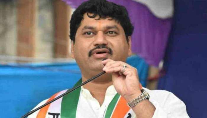 महाराष्ट्र के मंत्री Dhananjay Munde को राहत, आरोप लगाने वाली महिला ने Rape केस लिया वापस; जानिए क्या है मामला