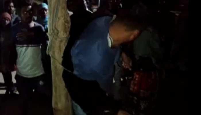 पुलिसकर्मी ने नाबालिग के साथ किया बलात्कार, लोगों ने पकड़ा और खंभे से बांधकर की धुनाई