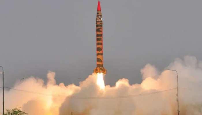Pakistan ने दुश्मन को संदेश देने के लिए दागी थी मिसाइल, अपनों पर गिरी, कई घर ध्वस्त