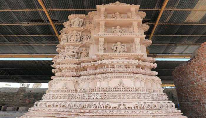 Dubai: अगले साल तैयार होगा 25 हजार वर्गफीट में बन रहा Hindu Temple, पीएम Modi ने रखी थी नींव
