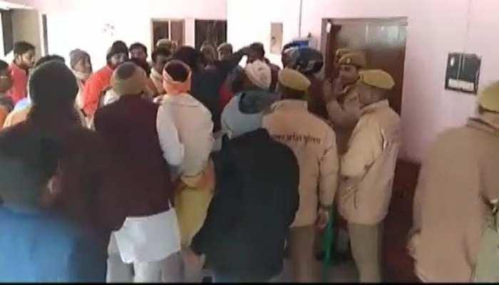BJP सांसद वीरेंद्र सिंह मस्त और विधायक सुरेंद्र सिंह आपस में भिड़े, मीटिंग में जमकर हुआ हंगामा