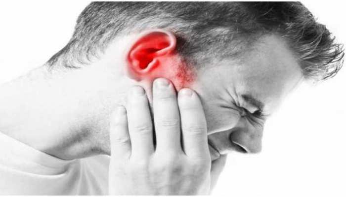 Ear Pain Home Remedies: कान में दर्द से राहत दिलाएंगे ये घरेलू नुस्खे