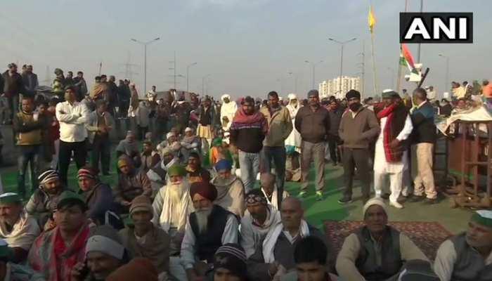 गाजीपुर बॉर्डर पर बदला माहौल, आंदोलन में शामिल होने भारी संख्या में पहुंचे किसान