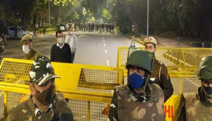 Israeli Embassy के पास बरामद हुए लिफाफे में लिखा है- 'अभी सिर्फ ये ट्रेलर', जांच में जुटी Delhi Police