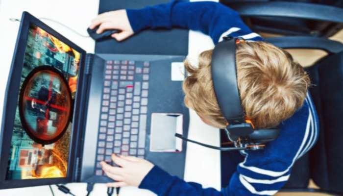 11 साल के बच्चे ने खींची मां-बाप की अश्लील तस्वीर, YouTube से Hacking सीख मांगी फिरौती