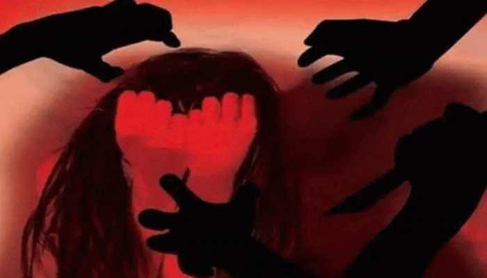 UP: महिला से 6 लोगों ने किया गैंगरेप, 300 रुपये में बेचते रहे पीड़िता का अश्लील वीडियो; गिरफ्तार