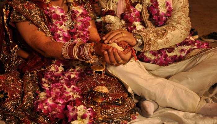 Delhi सरकार ने Marriage और Funerals में शामिल होने वाले लोगों की संख्या के संबंध में जारी की गाइडलाइंस
