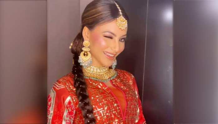 Urvashi Rautela ने मारी ऐसी आंख! VIDEO देख Priya Prakash को भूल जाएंगे आप