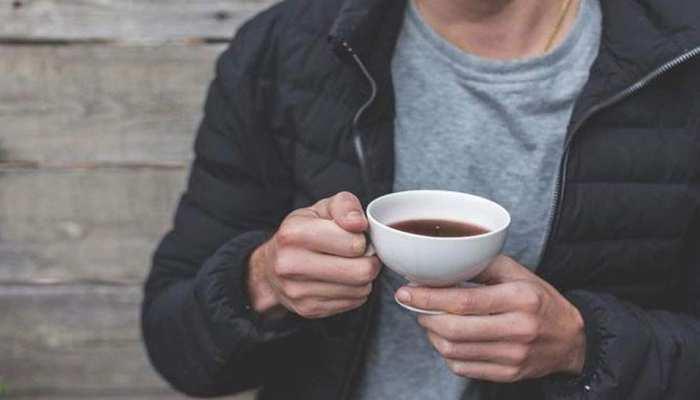 खाने के तुरंत बाद आप भी चाय-कॉफी पीते हैं तो आज ही बदलें आदत, वरना...