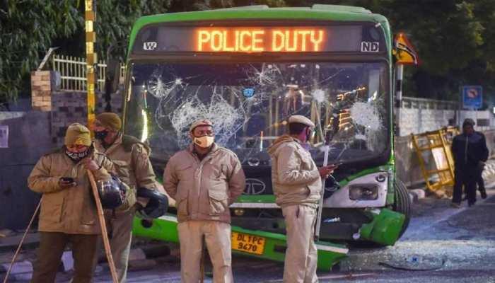 केजरीवाल सरकार ने पुलिस से वापस मांगी DTC बसें, अब Delhi Police का रिएक्शन आया सामने