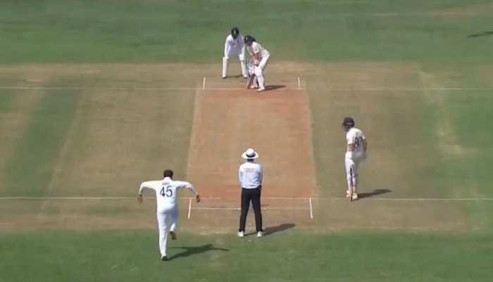 IND vs AUS: Rohit Sharma ने गेंदबाजी के दौरान उतारी Harbhajan Singh की नकल, देखिए Viral Video