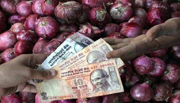 Onion Prices: प्याज ने फिर निकाले आंसू, 15 दिनों में भाव दोगुना से ज्यादा बढ़े, रेट 20 रुपये से बढ़कर 50 रुपये पहुंचे