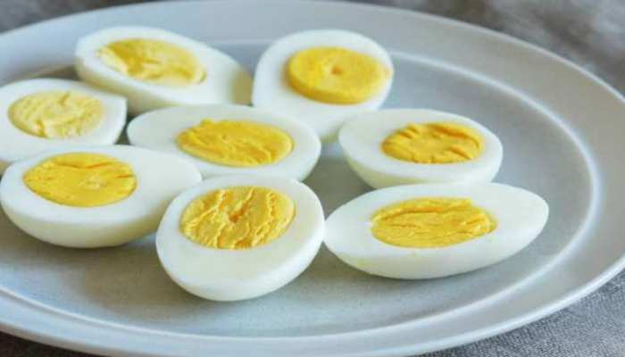 how many eggs a person should eat everyday know the right way to eat eggs