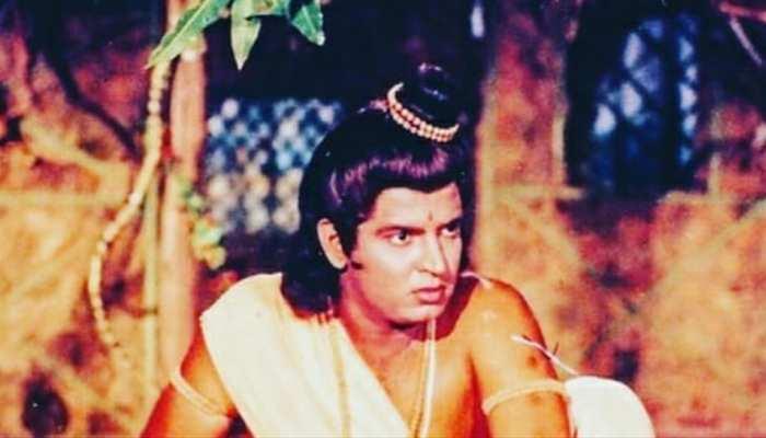 'Ramayan' के लक्ष्मण ने Sunil Lahri ने यूं मनाया Propose Day, देखकर नहीं रुकेगी हंसी!
