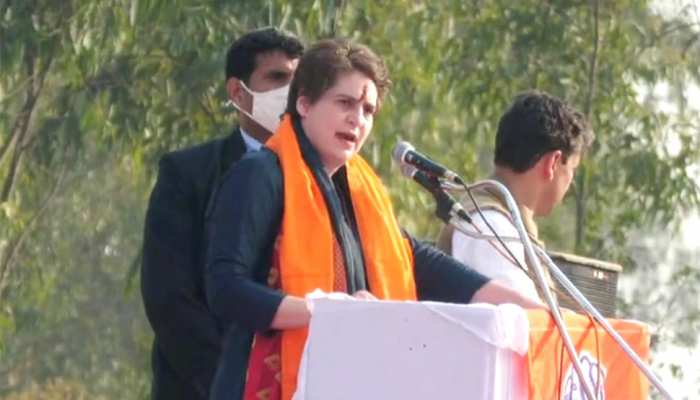 प्रियंका गांधी ने बताया- PM मोदी के 56 इंच के सीने में किसके लिए धड़कता है छोटा सा दिल