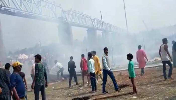 Breaking: प्रयागराज माघ मेले में  लगी भीषण आग, कई तंबू जलकर खाक