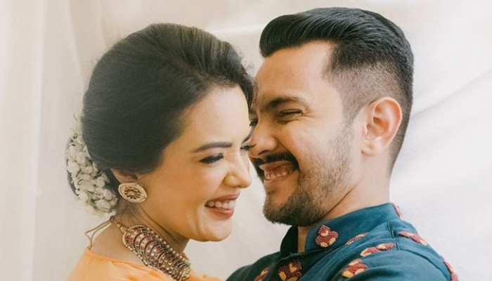 Valentine's Day पर 'बेहद' रोमांटिक हुए Aditya Narayan और Shweta Agarwal, देखिए PHOTO
