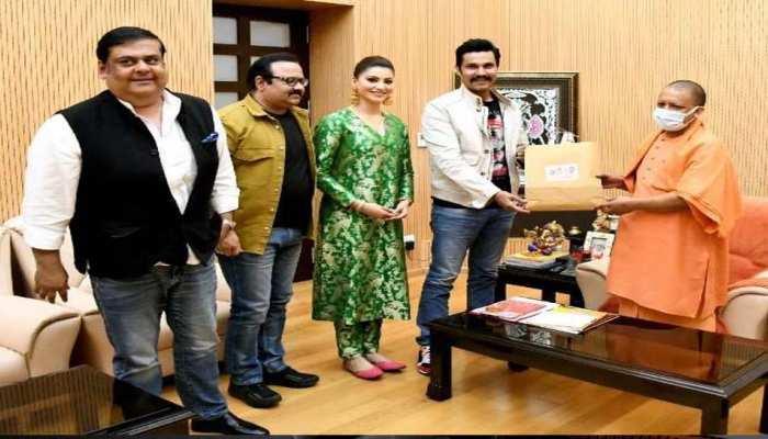 UP के जांबाज इंस्पेक्टर 'अविनाश मिश्रा' के किरदार में दिखेंगे Randeep Hooda, CM योगी को बताया क्लाइमैक्स