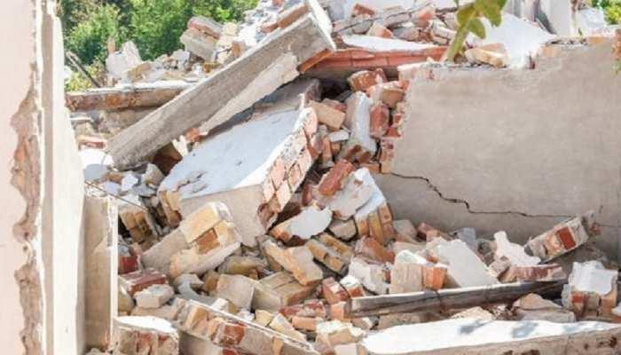 Phalodi News: निर्माणधीन दीवार ढहने से मची अफरा-तफरी, 45 श्रमिकों की मुश्किल से बची जान