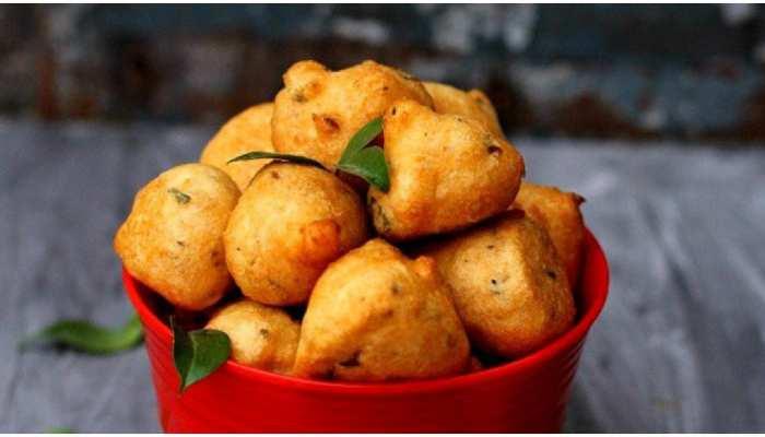 Urad Dal Bonda Recipe: दक्षिण भारत का मशहूर उड़द दाल बोंडा, खाने में स्वादिष्ट और बनाने में आसान