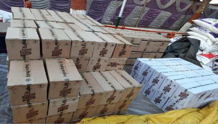 होली के रंग को शराब से सराबोर करने की तैयारी में तस्कर, गया में जब्त विदेशी माल से भरा ट्रक
