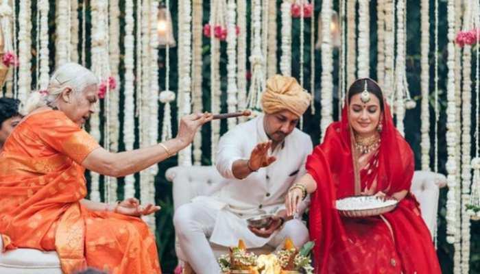 महिला पंडित ने कराई Dia Mirza-Vaibhav Rekhi की शादी, शेयर की तस्वीर