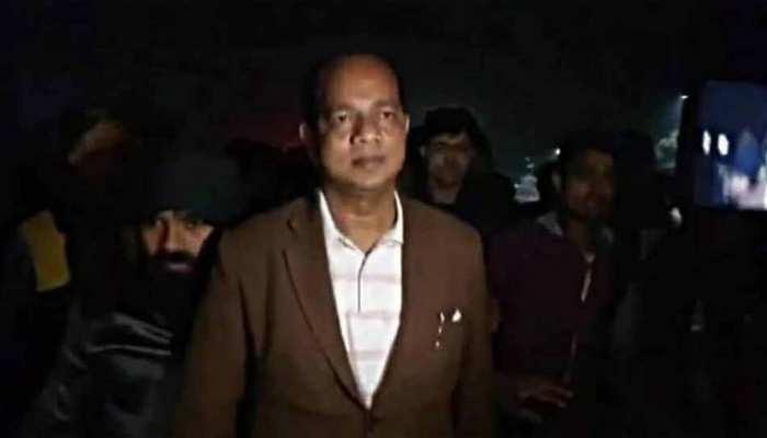Mamata Banerjee के मंत्री जाकिर हुसैन पर बम से हमला, हादसे का वीडियो आया सामने